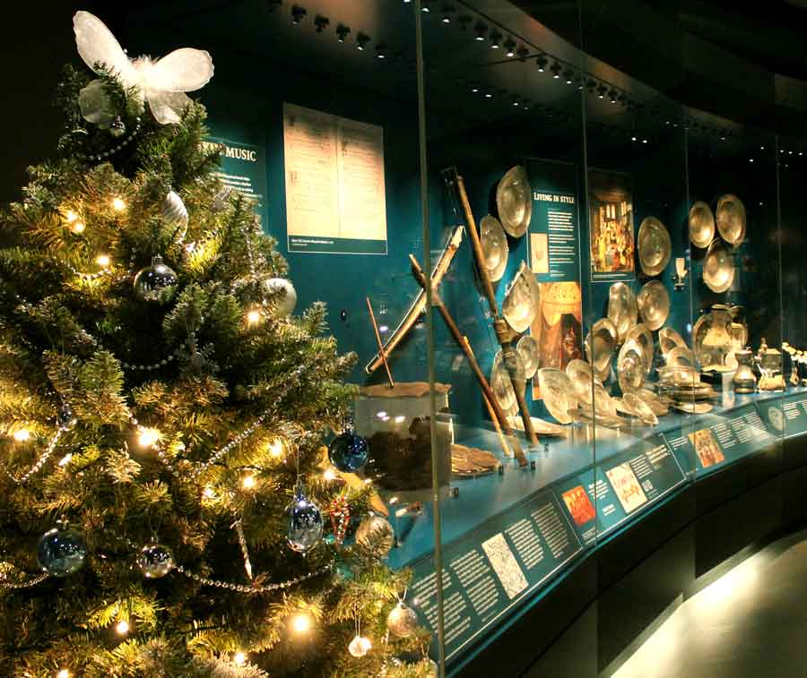 A Christmas Tree in the Admiral's gallery. Not very Tudor, but then nor is complaining about it on the internet..